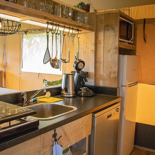 glamping tent met keuken
