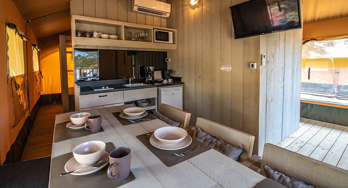 Safaritent groot met keuken